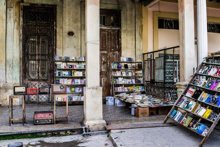 "A ""bookshop"" located at the door of a private residence in Havana. Until a few years ago, Cubans were not allowed to open private businesses."