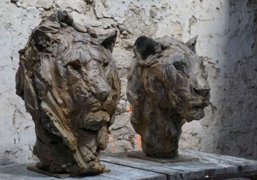 Head of a Lion III 63x45x42cm & Lioness III 55x35x45cm 1/8 bronze