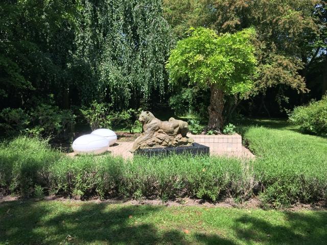 Great jaguar sculpture by Patrick Villas