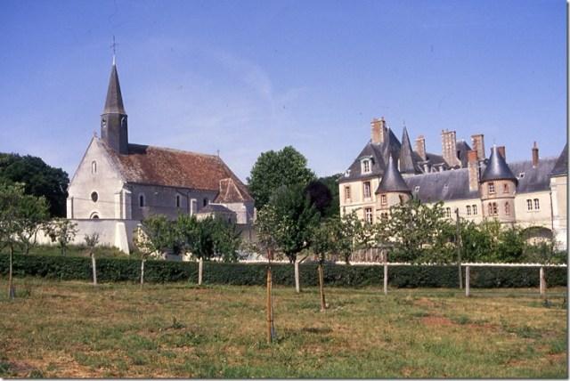 Moléans (28) : son église Saint-Pierre et son château