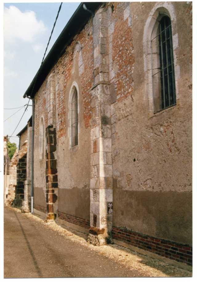 L'église Saint-Christophe de Rians et son grès ferrugineux…