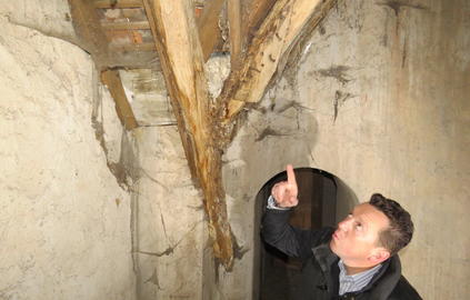 Le plafond de l'église romane a failli s'effondrer sur les fidèles