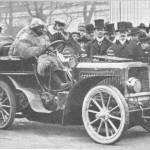 Ettore-Bugatti-arrive-à-Vienne-III.-International-Expo-voiture-au-volant-dune-De-Dietrich-qui-il-a-développé-150x150 Bugatti ou le baroud d'honneur du Baron de Dietrich Historique 5
