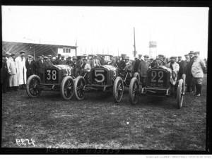 [Arthur] Duray, [Henri] Rougier, [Ferdinando] Minoia sur Lorraine-Dietrich [Grand prix de l'A. C. F. 1908, course automobile à Dieppe le 7 juillet]
