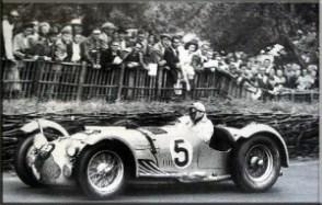 Louis rosier conduit jusqu'à la victoire de son talbot lago t26 gs grand prix dans les 24 heures du mans de 1950