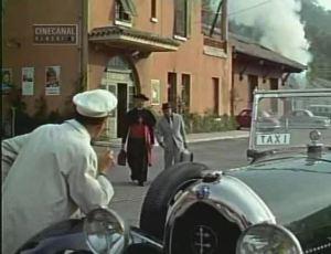 1921-Lorraine-Dietrich-B3-6-dans-Drop-Dead-Darling-Film-1966-2-300x230 Filmographie Lorraine Dietrich Filmographie Lorraine Dietrich Lorraine Dietrich