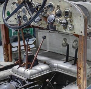 Voisin-C12-1927-20-300x295 Voisin C12 Chassible de 1927 Voisin