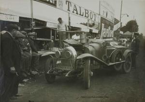 1925.-Les-24-heures-du-Mans.-Le-Stand-Lorraine-Dietrich-300x210 Lorraine Dietrich aux 24h du Mans de 1925 Divers Lorraine Dietrich aux 24h du Mans de 1925