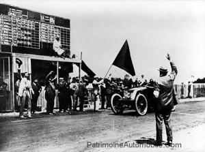 """renault-type-ak-1906_Grand_Prix_Finish-300x223 Renault Type AK """"Grand Prix"""" 1906 Divers"""