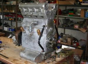 moteur-bugatti-t73-t73c-2-300x217 Bugatti Type 73C Divers Voitures françaises après guerre