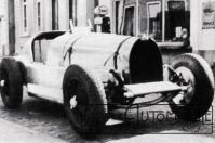 prototype-73C-1946-73001-300x199 Bugatti Type 73C Divers Voitures françaises après guerre