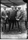 Le-Grand-Prix-de-lA.C.F-au-pesage-Jules-Goux-Robert-Peugeot-Pierre-Peugeot-et-Robert-Boillo-212x300 La Peugeot des Charlatans (GP 1912) Divers