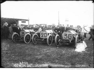 Louis-Pierron-Courtade-Pierre-Garcet-sur-Motobloc-Grand-prix-de-lA.-C.-F.-1908-course-automobile-à-Dieppe-le-7-juillet-300x226 MOTOBLOC Type N 1909 Divers Voitures françaises avant-guerre