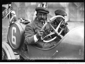 Amiens-grand-prix-de-lA.C.F.-Croquet-sur-Th.-Schneider-1913-2-300x224 Photo Théo. Schneider 1913 par J.H. Lartigue Autre Divers