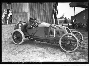 Amiens-grand-prix-de-lA.C.F.-Croquet-sur-Th.-Schneider-1913-300x224 Photo Théo. Schneider 1913 par J.H. Lartigue Autre Divers