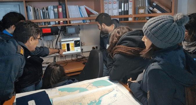 """Alumnos del Máster de Arqueología Náutica y Subacuática realizan sus prácticas a flote en el buque hidrográfico """"Malaspina"""""""