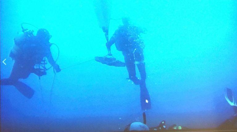 Xàbia salva del expolio 40 anclas y 2.800 años de historia en los fondos marinos del Portixol