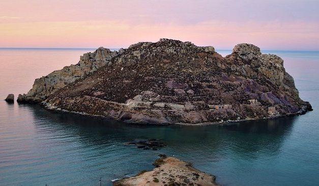 La Isla del Fraile se somete a una prospección arqueológica subacuática intensiva