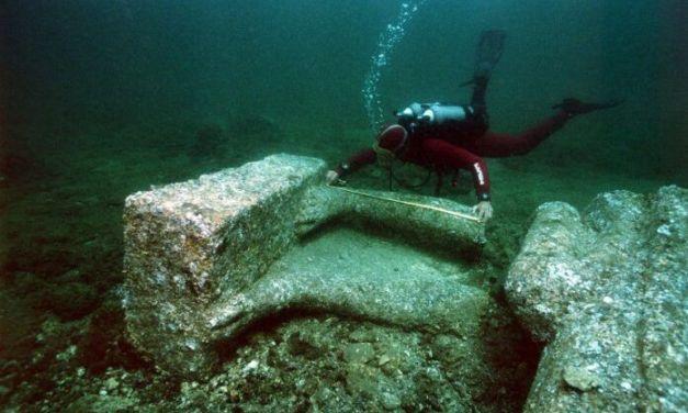 Encuentran restos de un buque y cementerio de más de 2.000 años sumergidos frente a Egipto
