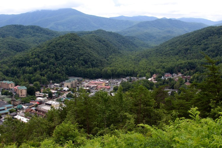 smoky mountains towns