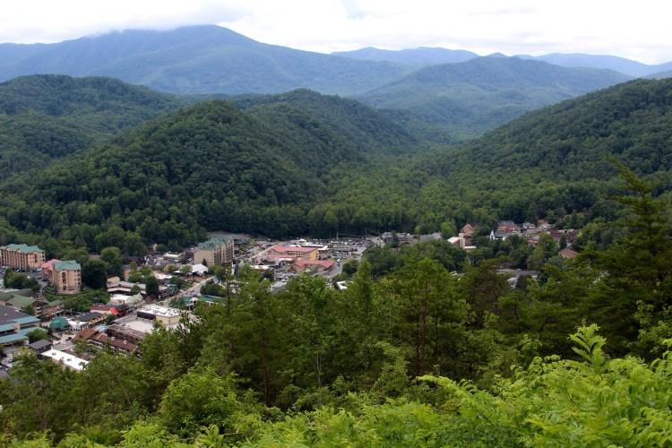 smoky mountains towns
