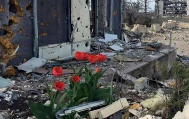 На руїнах Донецького аеропорту. Фото: rbc.ua.