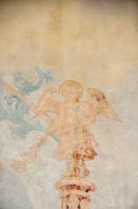 Gepaust erscheint auch der zweite Engel.
