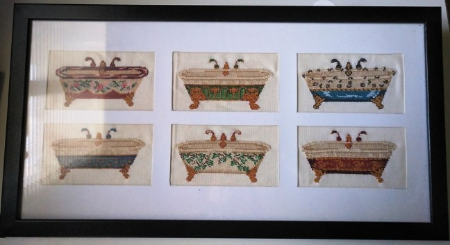 VENTA de cuadro bordado a punto de cruz con dibujos de bañeras antiguas