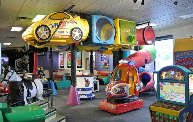 play zone of chuck e cheese