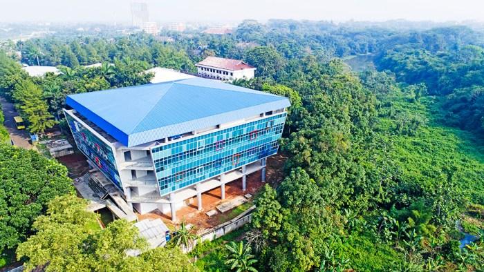Perpustakaan-Pusat-Politeknik-Negeri-Jakarta-1