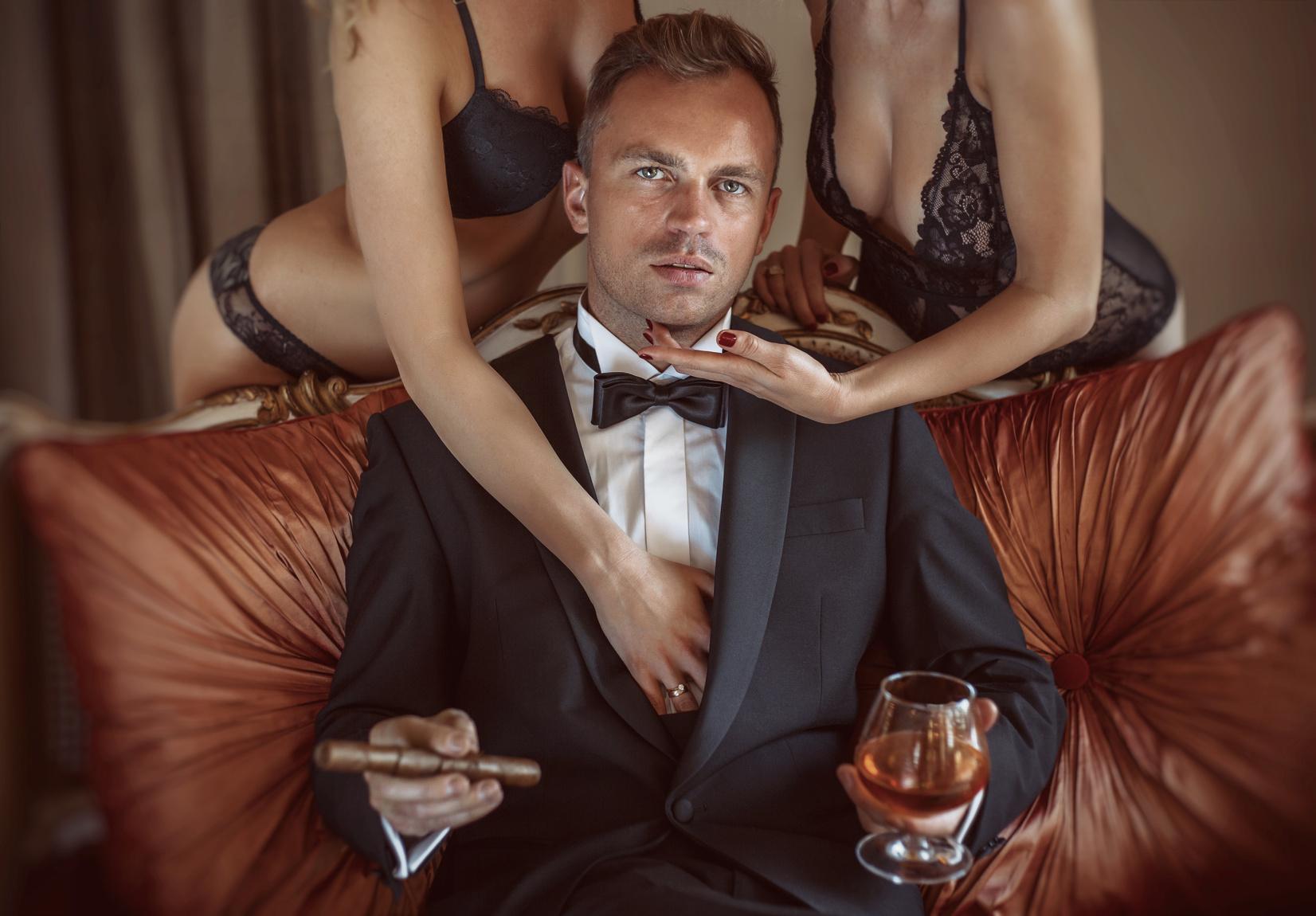Women love rich men