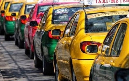 405 taxi drivers violated the law in October