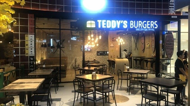 TEDDY'S BURGERS BUY ..ONE GET ONE FREE ! AMAZING