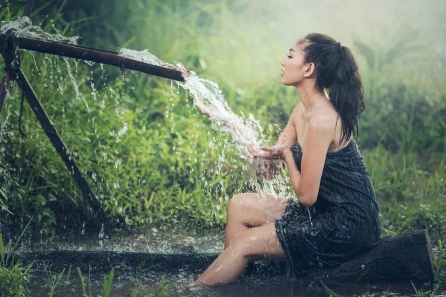thai lady bath