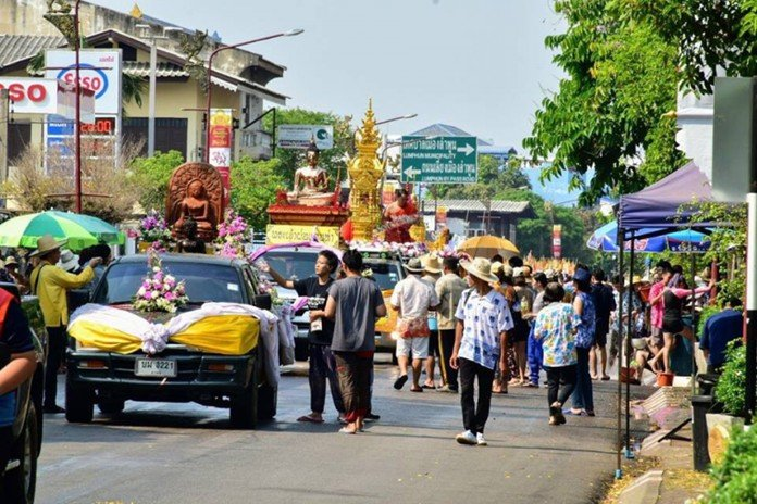 Tourists enjoy Songkran celebrations nationwide