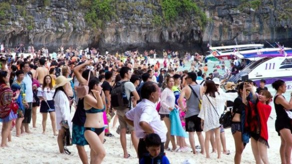 Thailand may benefit from China-US Trade war as more Chinese tourists may come to Thailand. Thailand has a good chance of benefiting from the ongoing