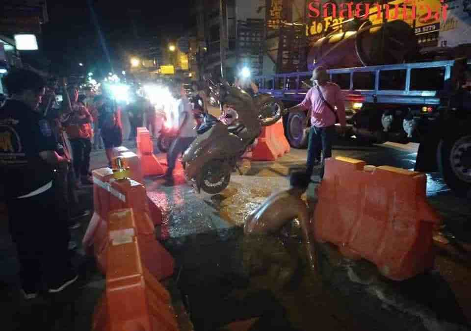 Video: Teens seriously hurt as bike goes down Pattaya sink hole