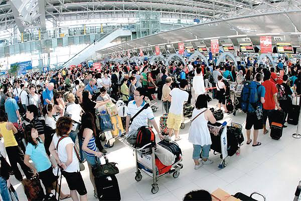 Thai Cabinet orders more manpower and check in counters at major Bangkok airports to lessen wait times