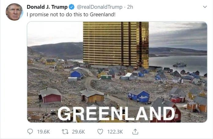 US President Tweets Pic of Trump Tower Looming Over Greenland