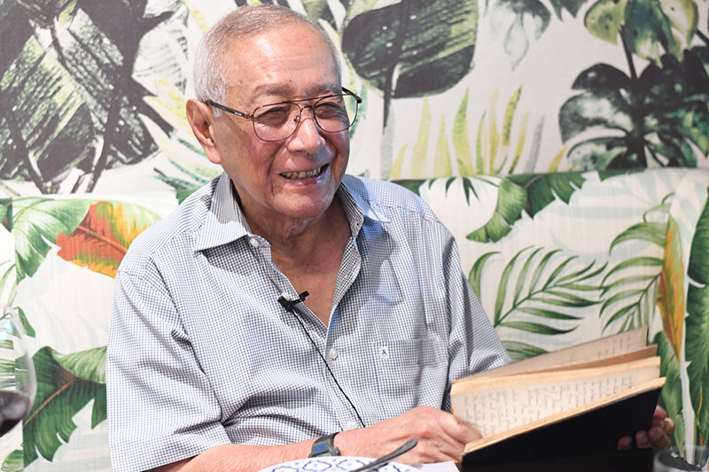 Anussorn Thavisin holds his journal on Aug. 30, 2019.