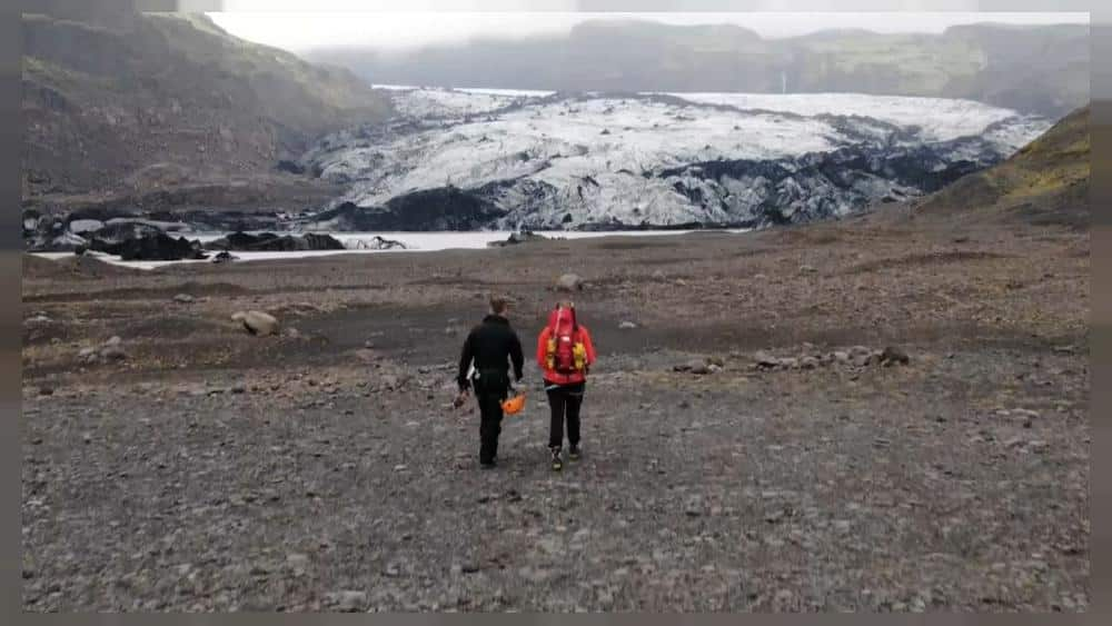 Scientists in Iceland fuse carbon dioxide into rock in a bid to combat climate change