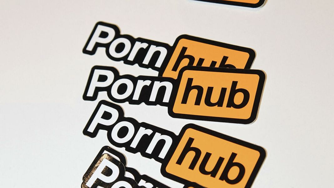Pornhub says traffic surged during Facebook outage