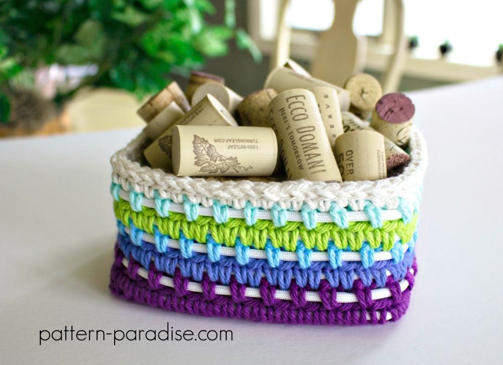 Free Crochet Pattern: Dragonfly Coasters Caddy