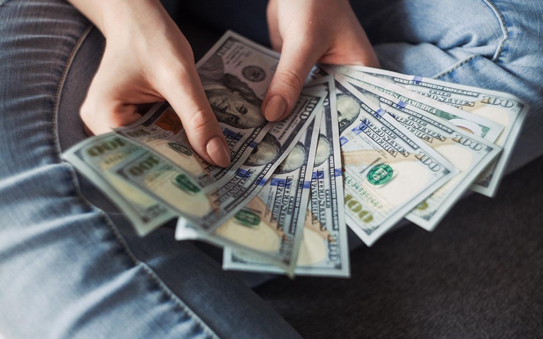 How Much Money Can a Day Trader Make? (Employee or Independent)