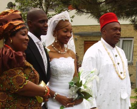 Chimuanyas parents with Izi and Chimuanya
