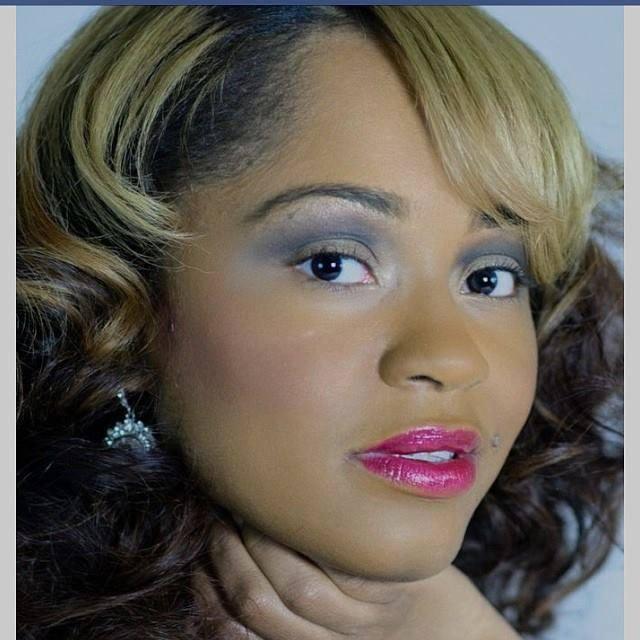Artistpreneur Spotlight – Tyeisha Downer, Author   Writer   Poet   Songwriter