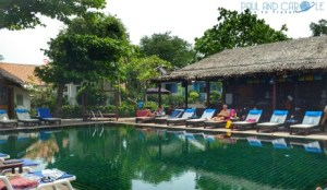 Bangrak Beach Club Video Tour of pool and grounds hotel reviews