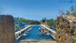 Centara Seaview Resort, Middle swimming pools video tour Khao Lak hotel review
