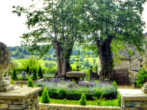 what to do in Gloucestershire with paul and carole gloucester painswick church yard