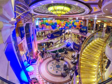ocean medallion atrium crown princess cruises presentation cruising #oceanmedallion #princesscruises #choosecruise #cruise #oceanready #crownprincess